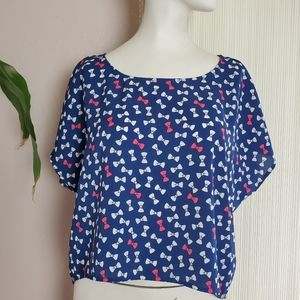 Divided Blue Top With Ribbon Print